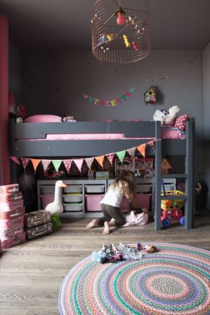 Cool kids bedroom with pink colour 37