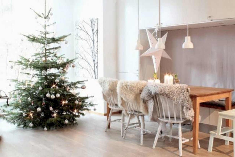 31 Beautiful Scandinavian Christmas Tree Decoration Ideas
