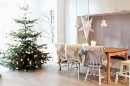 Beautiful scandinavian christmas tree decoration ideas 10