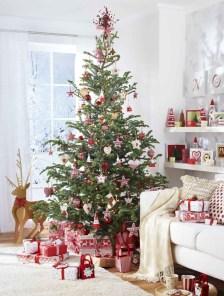 Beautiful scandinavian christmas tree decoration ideas 17
