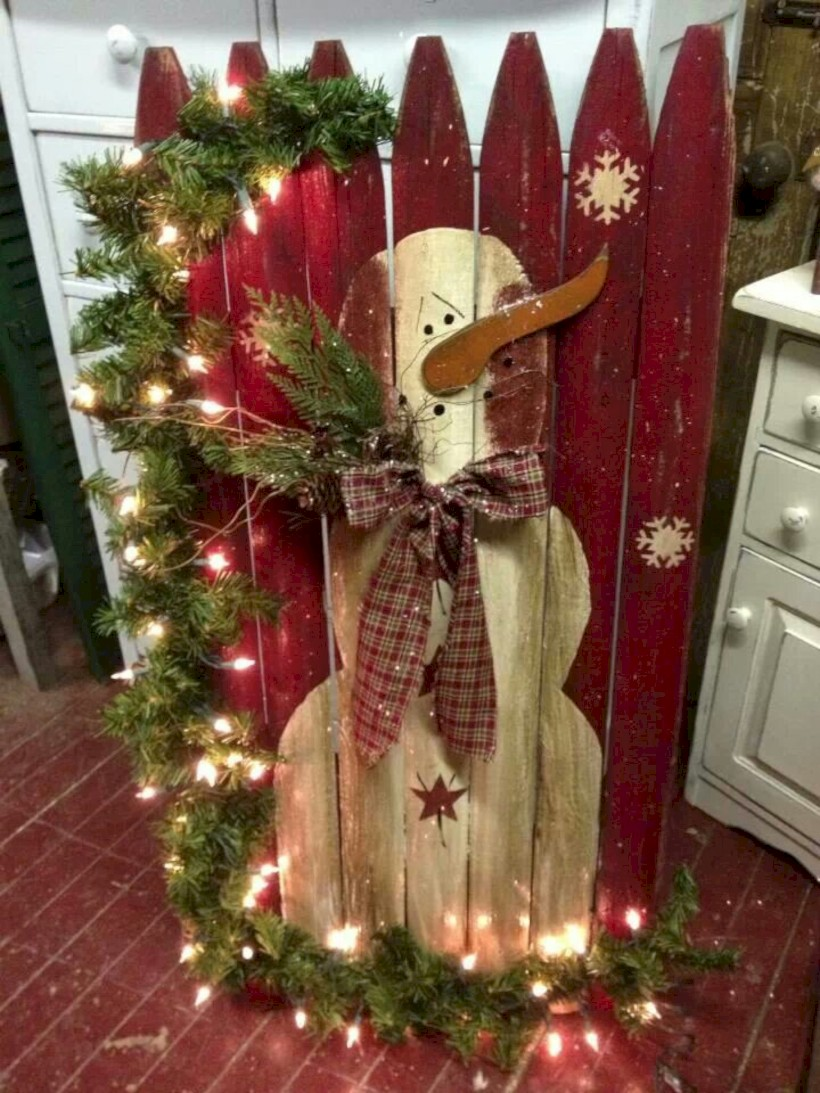 30 Cool Ideas And Pictures Of Bathroom Tile Art: Cool Homemade Outdoor Christmas Decorations Ideas 30
