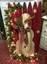Cool homemade outdoor christmas decorations ideas 30