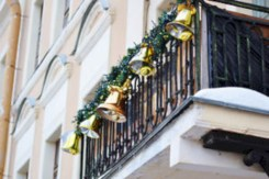 Cozy christmas decoration ideas for your apartment 22