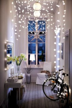 Cozy christmas decoration ideas for your apartment 30