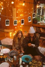 Cozy christmas decoration ideas for your apartment 35