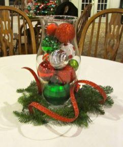 Creative diy christmas table centerpieces ideas 20