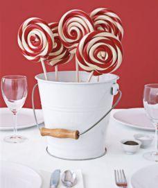 Creative diy christmas table centerpieces ideas 32