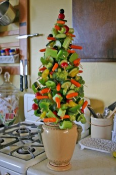 Easy christmas fruit tree centerpieces ideas 31