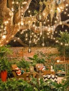 Easy outdoor christmas decorations ideas on a budget 27