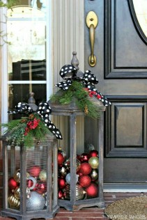 Easy outdoor christmas decorations ideas on a budget 30