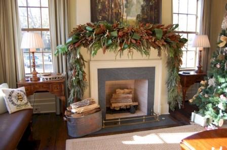 Elegant white fireplace christmas decoration ideas 23