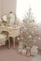 Inspiring chabby chic christmas decoration ideas 02