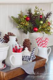 Inspiring farmhouse christmas table centerpieces ideas 01