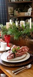 Inspiring farmhouse christmas table centerpieces ideas 09