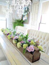 Inspiring farmhouse christmas table centerpieces ideas 16