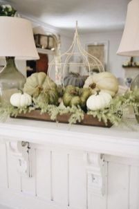 Inspiring farmhouse christmas table centerpieces ideas 19