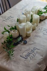 Inspiring farmhouse christmas table centerpieces ideas 24