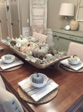 Inspiring farmhouse christmas table centerpieces ideas 27