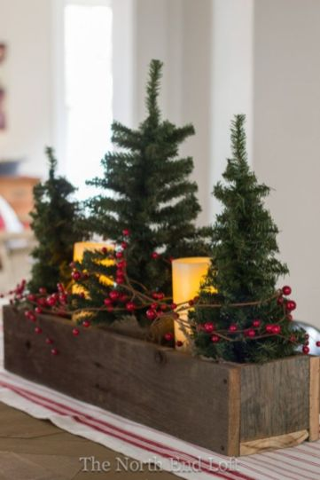 Inspiring farmhouse christmas table centerpieces ideas 40