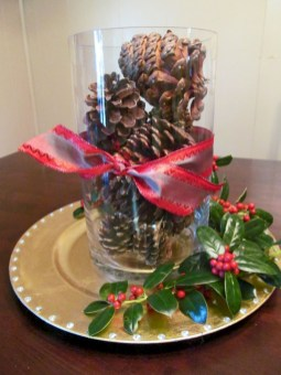 Minimalist christmas coffee table centerpiece ideas 05