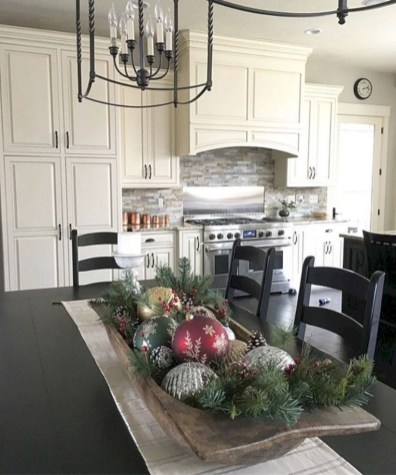 45 minimalist christmas coffee table centerpiece ideas Christmas decorating ideas kitchen table