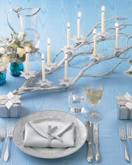 Modern christmas table centerpieces ideas you will totally love 07