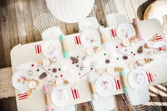Modern christmas table centerpieces ideas you will totally love 32