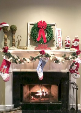 Modern farmhouse fireplace christmas decoration ideas 08