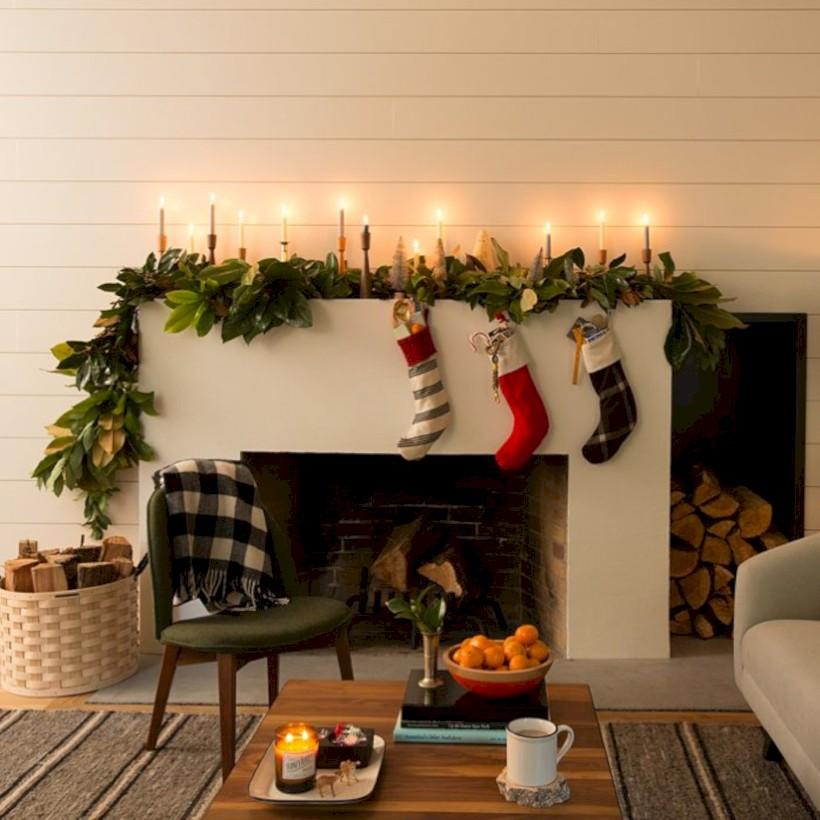 36 Modern Farmhouse Fireplace Christmas Decoration Ideas