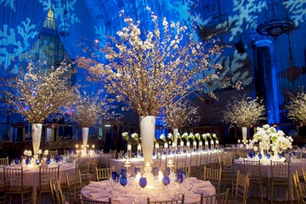 37 Spectacular Winter Wonderland Wedding Decoration Ideas Round Decor
