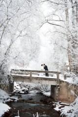 Spectacular winter wonderland wedding decoration ideas (13)