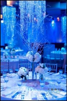 Spectacular winter wonderland wedding decoration ideas (2)