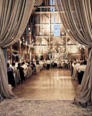 Spectacular winter wonderland wedding decoration ideas (22)