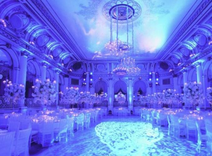 Spectacular winter wonderland wedding decoration ideas (30)