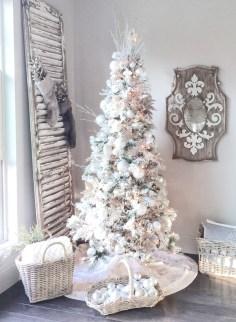 Stunning gold christmas tree decoration ideas 06