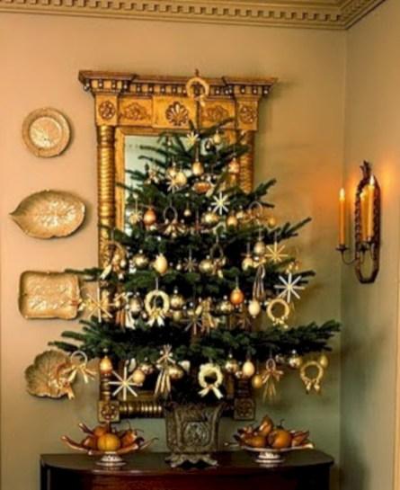 Stunning gold christmas tree decoration ideas 25