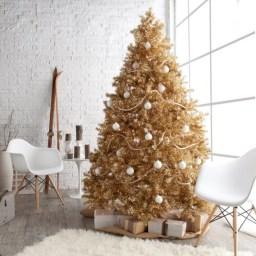 Stunning gold christmas tree decoration ideas 30