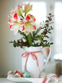 Stylish christmas centerpieces ideas with ornaments 24