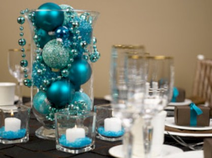 Stylish christmas centerpieces ideas with ornaments 31