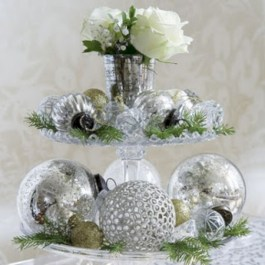 Stylish silver and white christmas table centerpieces ideas 02