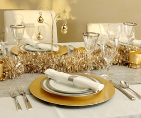 Stylish silver and white christmas table centerpieces ideas 18