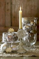 Stylish silver and white christmas table centerpieces ideas 23