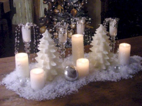 Stylish silver and white christmas table centerpieces ideas 28