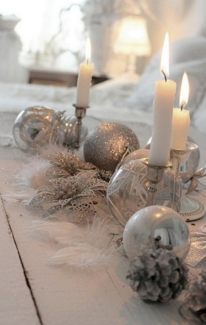 Stylish silver and white christmas table centerpieces ideas 38