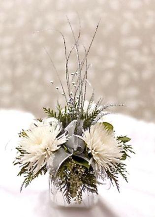 Totally adorable white christmas floral centerpieces ideas 13