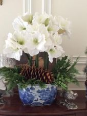 Totally adorable white christmas floral centerpieces ideas 15
