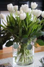 Totally adorable white christmas floral centerpieces ideas 37