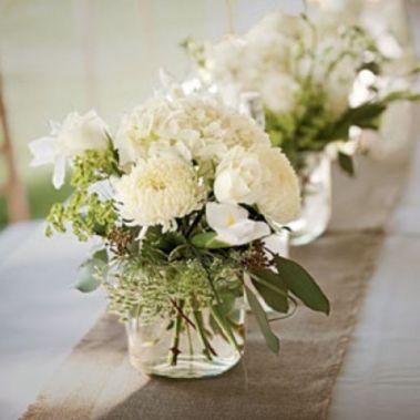 Totally adorable white christmas floral centerpieces ideas 39