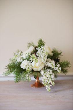Totally adorable white christmas floral centerpieces ideas 40