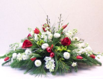 Totally adorable white christmas floral centerpieces ideas 45